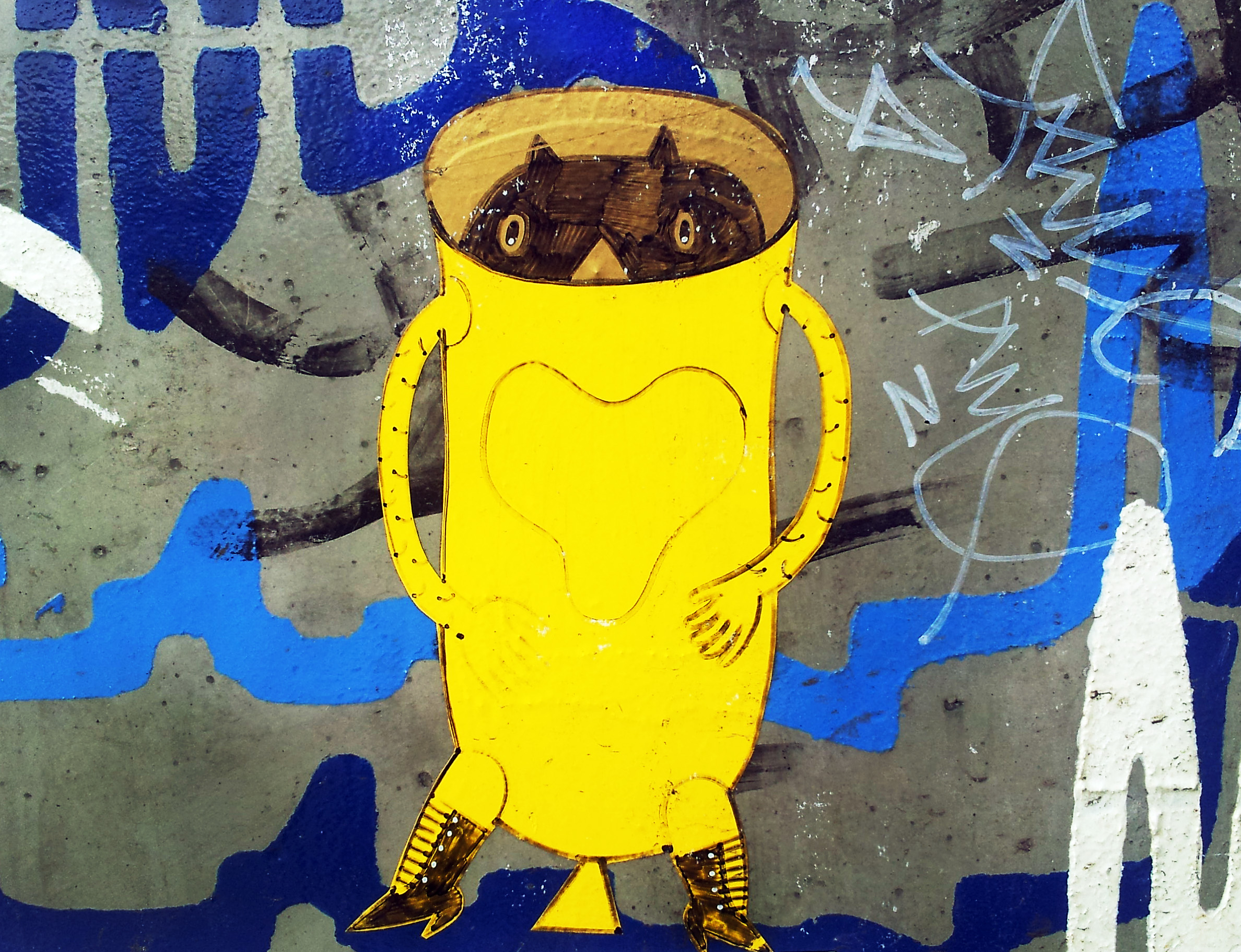 Graffiti animal in a bright yellow suit