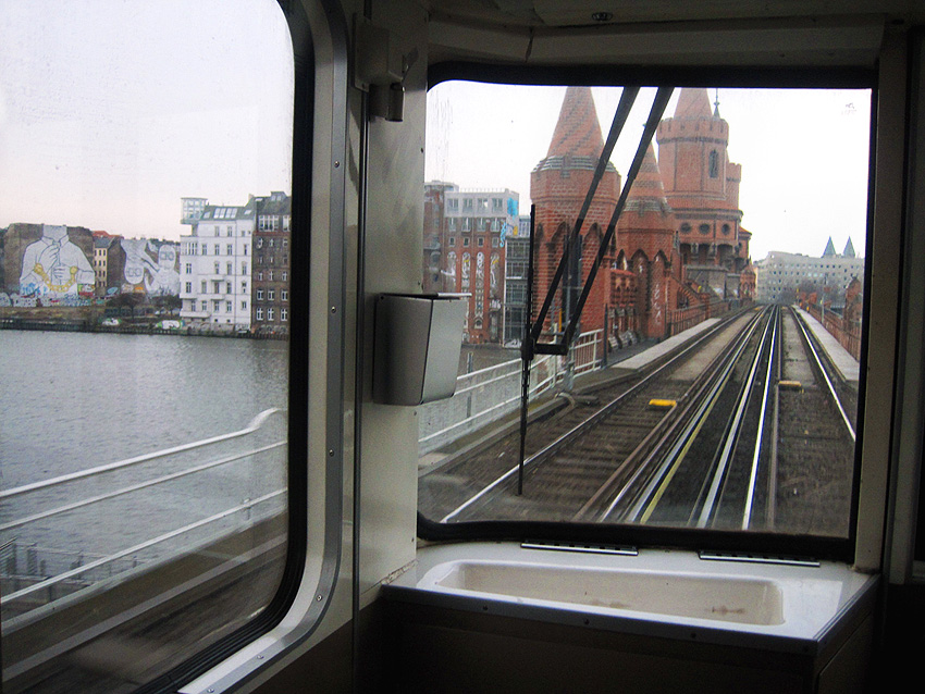 Subway train on the Oberbaumbrücke